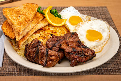 steak tips and eggs breakfast