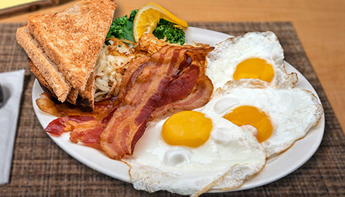 3 eggs with bacon, sausage, or ham breakfast portsmouth nh area